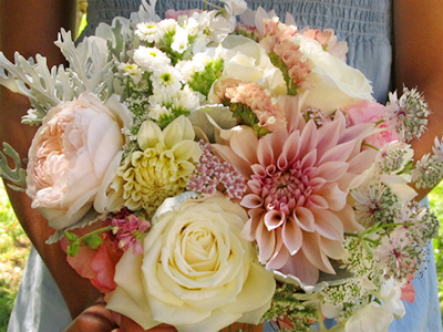 Night-Song-Farm-Bridal-Bouquet