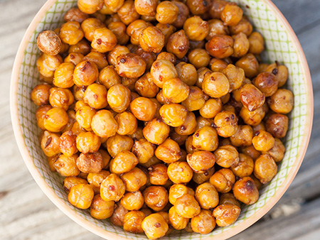 A bowl of crispy chickpeas