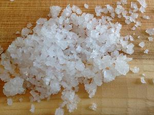 Sun-dried sea salt crystals have a unique square shape.