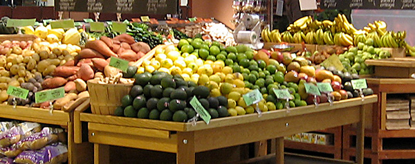 Vegetables on display in a supermarket. Tests Reveal Benefits of Eating Organic Foods.